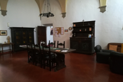 A meeting room in the convento.